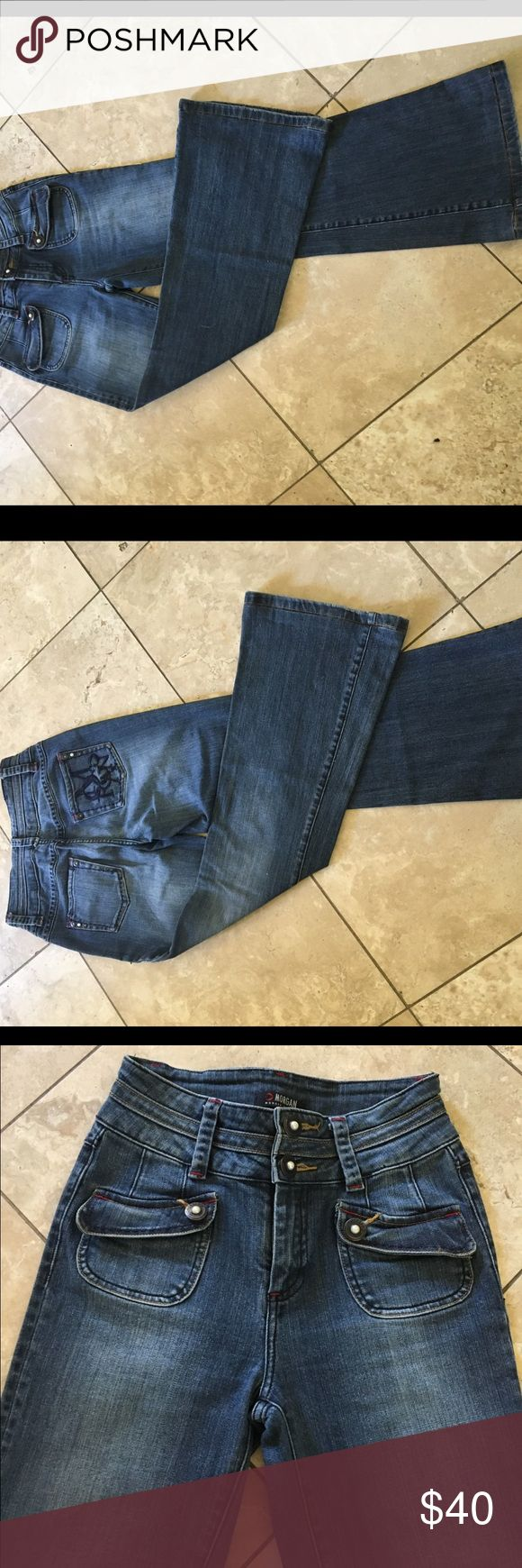 Super looking flared jeans Super looking flared &cropped jeans in medium wash , pearl buttons by Morgan French Brand Morgan De Toi Jeans Flare & Wide Leg