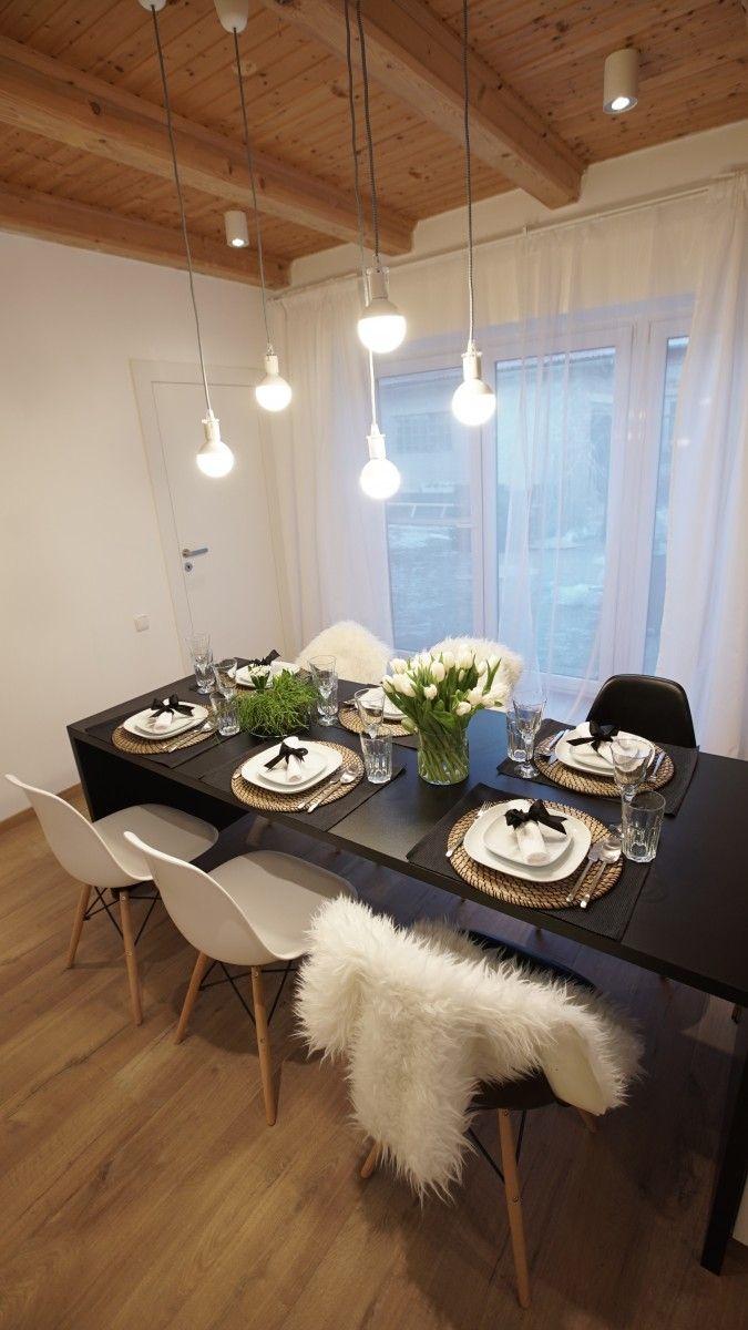 Veľký jedálenský stôl