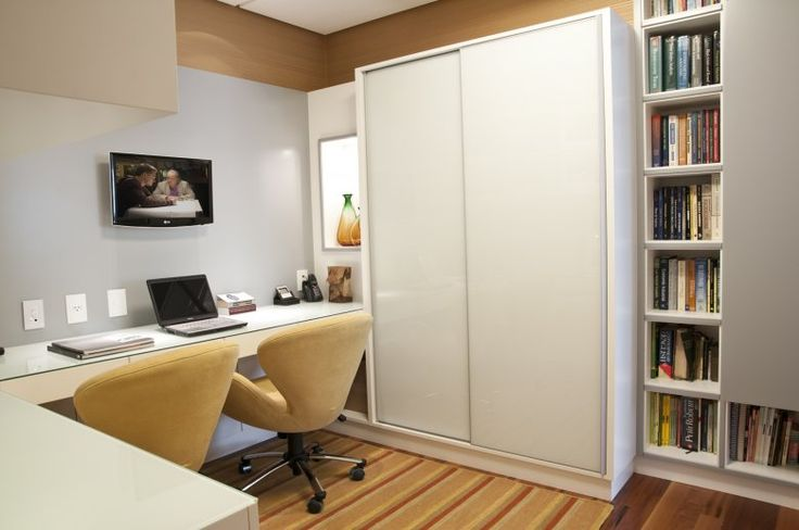Home-office-no-quarto-com-TV–Pequeno