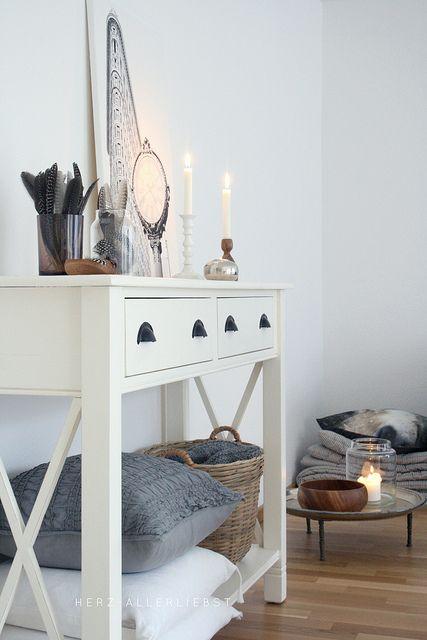 Perlhuhnfedern by herz-allerliebst, via Flickr #scandinavian #interiordesign