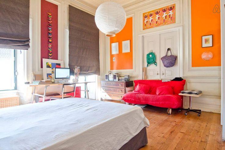 Veja este anúncio incrível na Airbnb: LISBOA CENTRO TOP ROOMS ★ CENTER ★  - Casas para Alugar