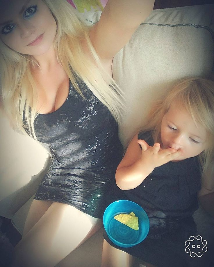 My baby girl and me  #baby #mom #party #babyandmom  #babygirl #toddler #girl #girls #mommy #mommyandme  #maman #mamanetfille  #blackdress #robenoire #minime #fashion #blondes  #mode #unconditionallove  #amourinconditionnel  #family #daughter #fille #gettingready  #2ndanniversary  #anniversary  #anniversaire  #fete  #portraitphotography  #portrait