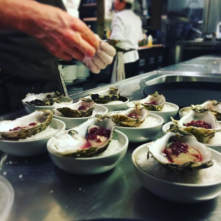 Oyster with redwine vinagre #charlesogde