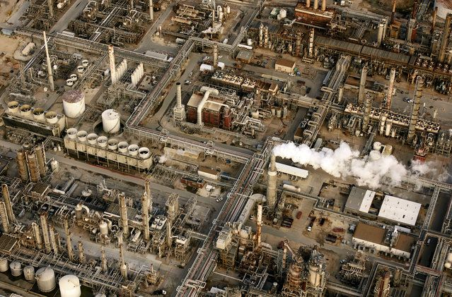 Massive oil refineries in Houston - USA from the air | www.piclectica.com #piclectica