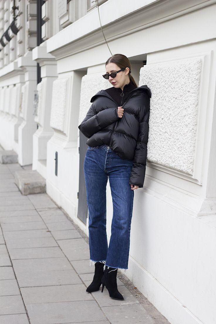 OLIVIA KIJO , LOOK OF THE DAY , //The simple jacket is what I wear almost everyday during the winter season. If you want to add an unexpected element to your simple outfit, puffer jackets ensure an eye-catching look. Wearing theme with some turtleneck and jeans is the easiest way.W sezonie zimowym najchętniej noszę uniwersalne płaszcze i kurtki. Jeśli jesteście znudzeni klasycznymi formami i...