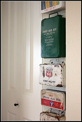 Old Firstaidkits 117