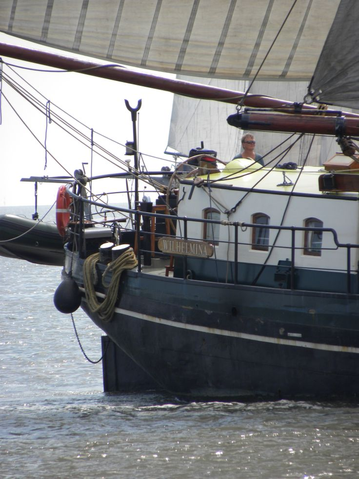 On the move again with the 'Wilhelmina' on the IJsselmeer.