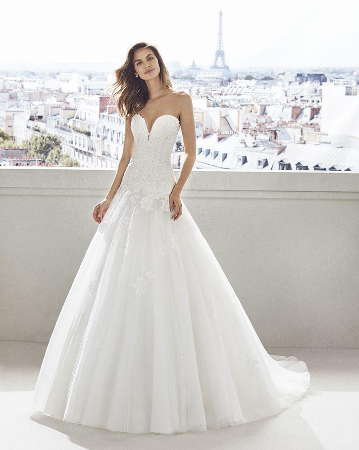 Trouwjurk Amersfoort.Trouwjurk Rosa Clara Vidra Art 28627 Valkengoed Wedding Fashion