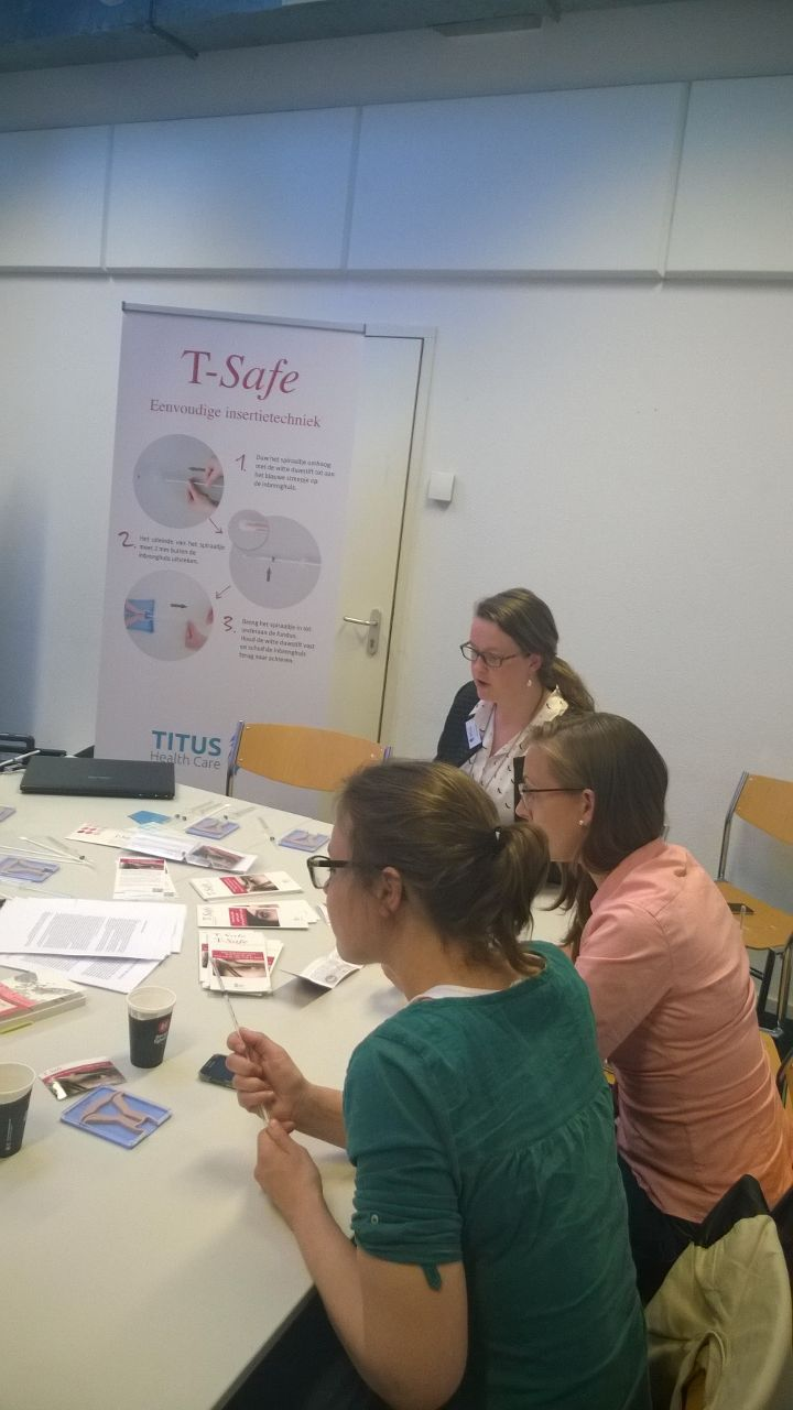 In samenwerking met Titus Health Care, Bayer en MSD organiseert de LOVAH trainingsavonden op het gebied van anticonceptie. Tijdens deze avonden wordt de counseling van anticonceptie toegelicht, de anticonceptiespiralen Mirena en T-Safe besproken en uitleg gegeven over het implantaat, Implanon. Daarnaast kan er tijdens de trainingen geoefend worden met de verschillende insertie technieken en worden er tips&tricks uitgewisseld.   www.t-safe.nl