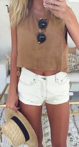 summer outfit. white shorts