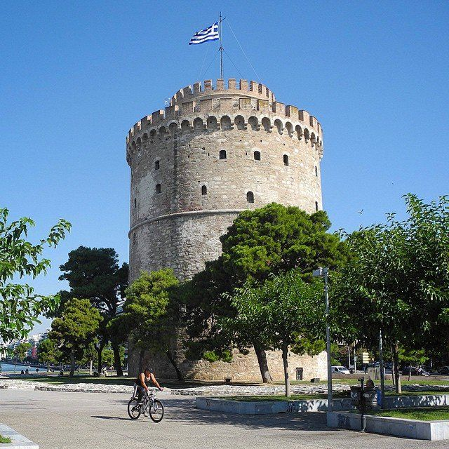 The White Tower, Thessaloniki, Greece. - http://great-trips.com/the-white-tower-thessaloniki-greece-18.html?utm_source=PN #Cp, #Greattrips, #Greece, #Macedonia, #Thessaloniki, #Thrace, #Tower, #Whitetower, #башня, #белаябашня, #македония, #салоники, #фракия