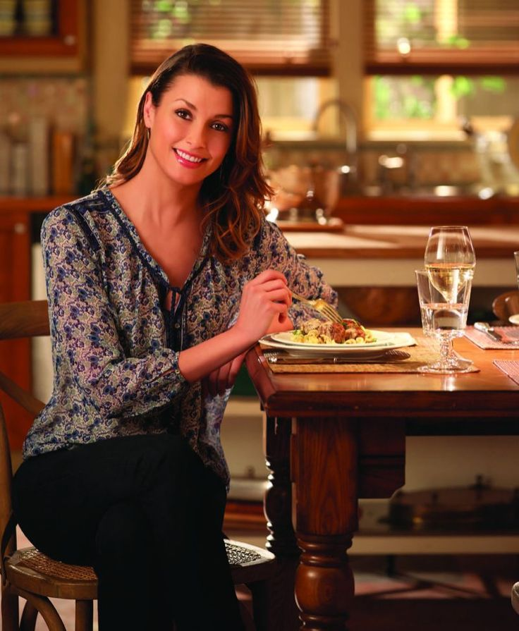 Actress Bridget Moynahan shares her family's recipe for Swedish meatballs, which are a Moynahan Christmas Eve tradition. It's so popular with the Moynahan clan that they often double or triple the recipe, so everyone can take leftovers home.