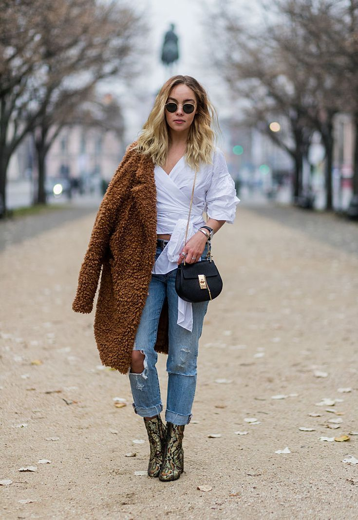 2ca48a5d478 20 Different Ways to Wear Every Pair of Jeans in Your Closet This Winter   Boyfriend