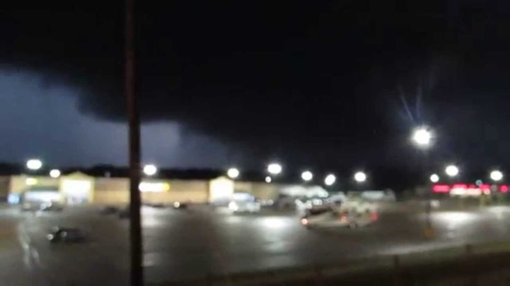TORNADO WARNING , Forest M.S. 4-28-14 , SCARY AS HELL