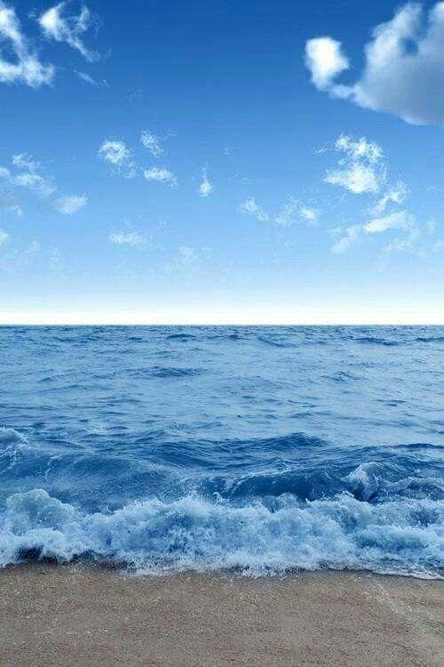 Buongiorno a chi ama il sole in faccia e il vento tra i capelli. Buongiorno a chi ama il mare. Buongiorno a chi ama la vita.Buongiorno a chi semplicemente ama.  Mya Antares