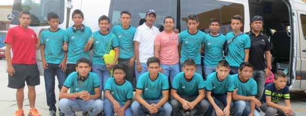 Patrocina Gobierno de Atoyac jóvenes promesas del futbol profesional