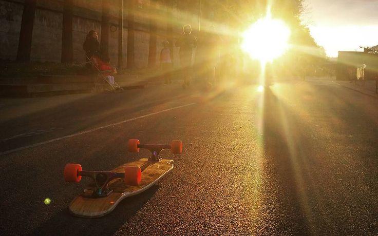 Sunny session today at #docksession ! ❤ #loadedboards #orangatangwheels #paristrucks #Paris
