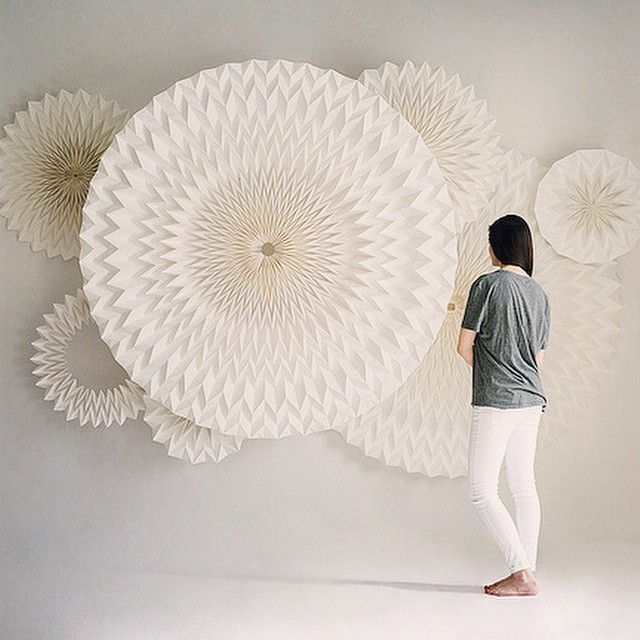 Beautiful new circular pleats by Anne Rudanovski. #paper #fold