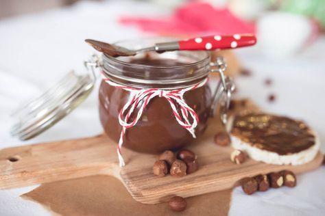 Domowa nutella-krem czekoladowo orzechowy, który zawróci wam i waszym dzieciom w głowach. Same zdrowe składniki.