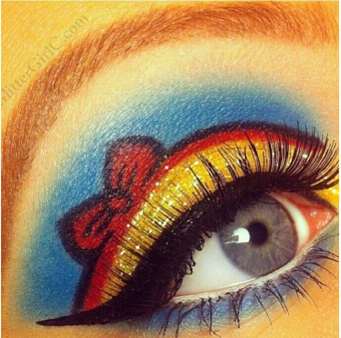 Snow white make-up-could do the same for alice with blue and white.