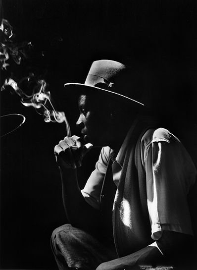 Gordon Parks, American, 1912-2006; Untitled, Harlem, New York, 1948; Gelatin silver print, printed later; Courtesy The Gordon Parks Foundation