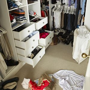 Easy Peasy Tips for Clearing Clutter - move or get a make over?