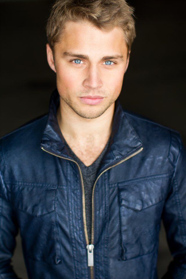 Max Lloyd-Jones :) the sandlot 2! << Those beautiful blue eyes!!! and he is British! <3