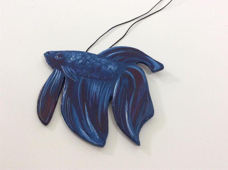 Sotto il segno dei pesci. Una creazione di @ninacaterinamuller. A Gift for My friend. #oroscopo #blue #seascapes #sea #bluecolor #ninacaterinamuller