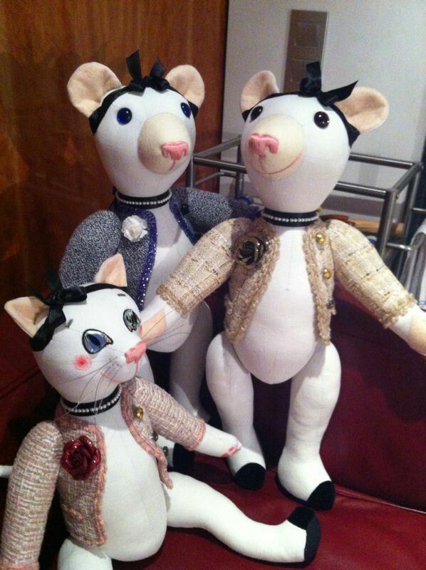 Coco, Gabrielle and Berthe, very elegants in Chanel style.... All ladies handmade by GSBears, Barcelona.