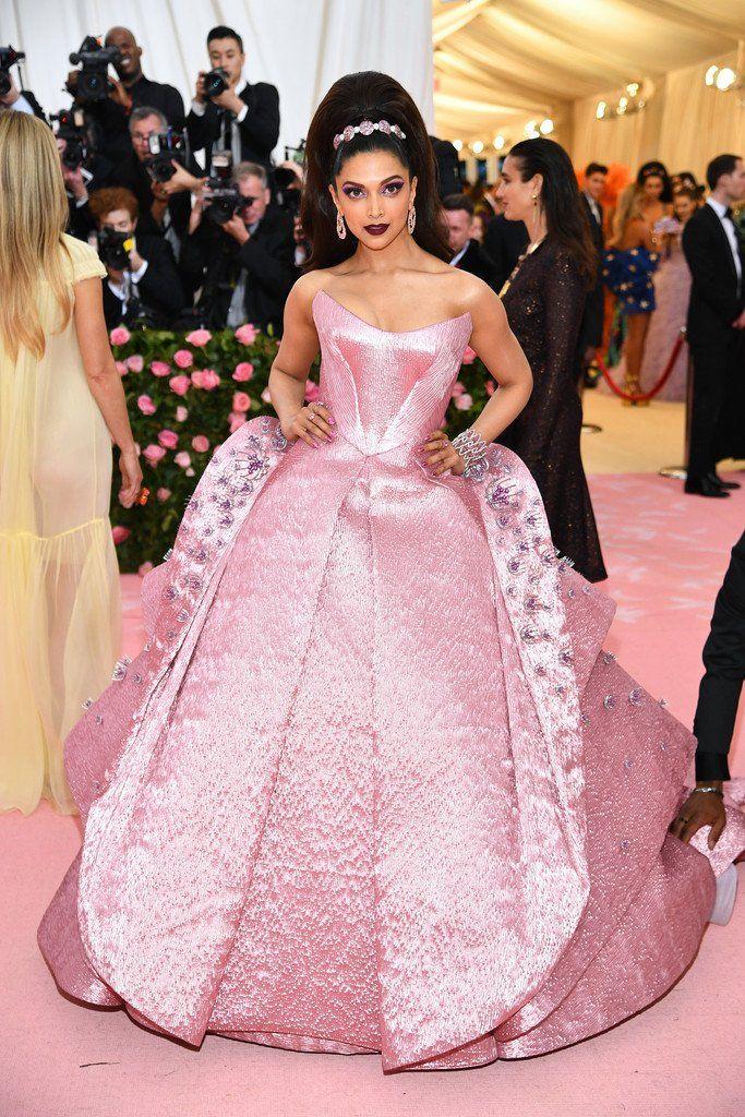 Deepika Padukone In Zac Posen At The 2019 Met Gala Camp Notes On Fashion 2019 Gala Bestdressed Met Gala Dresses Red Carpet Dresses Best Gala Fashion