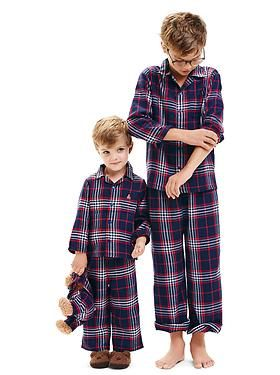 A good plaid option. Would be good for girls or boys.: Kids Pjs, Features Outfits, Kids Clothing, Kid Clothing, Outfits Sleepwear