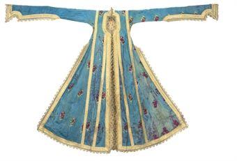 Very well kept Entari,Notice the extra long sleeves (Pharyah)