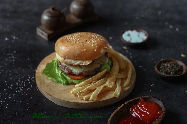 Favorite Burger.   http://favorite.co.id/  https://www.instagram.com/riodwisandybrandingstudio/