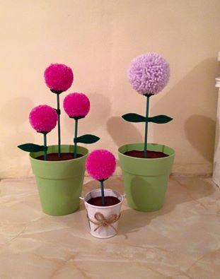 Pompom flower pots https://www.facebook.com/AndiesAccessories/photos/a.1088836111143103.1073741890.251860708173985/1100888816604499/?type=3&theater