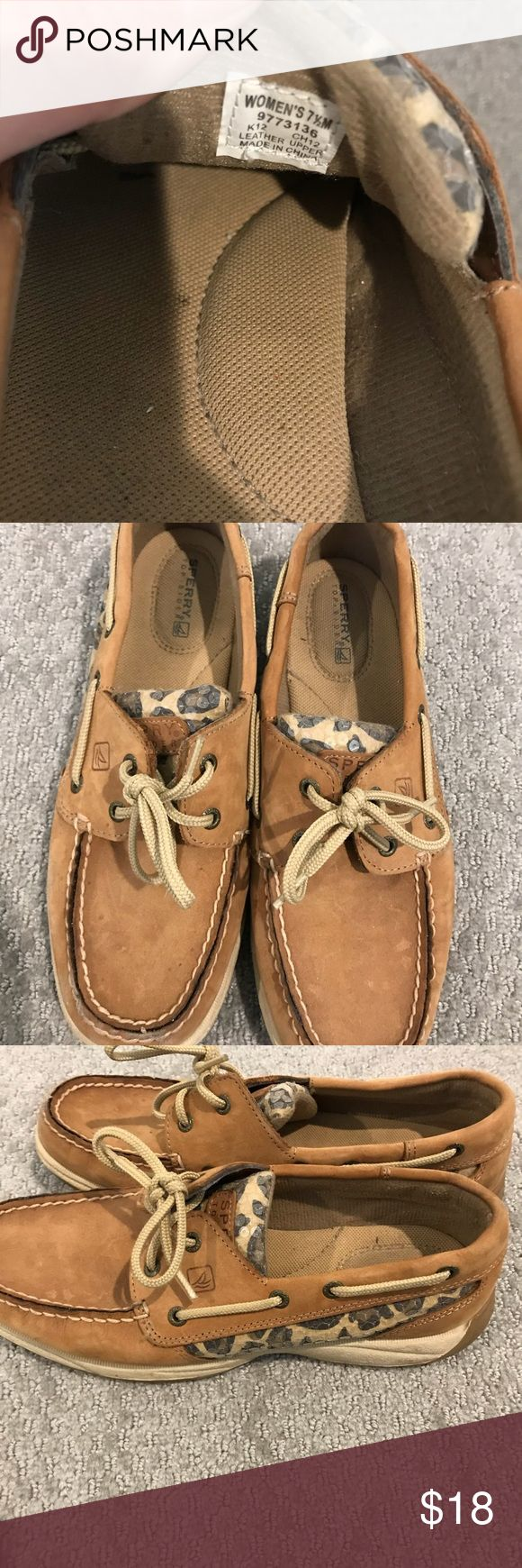 Leopard sperry siZe 7.5 used. With sequin sparkle Used sperry boat shoes. That have leopard and sequin accent. In good used condition. Bundle or make offers Sperry Top-Sider Shoes Flats & Loafers
