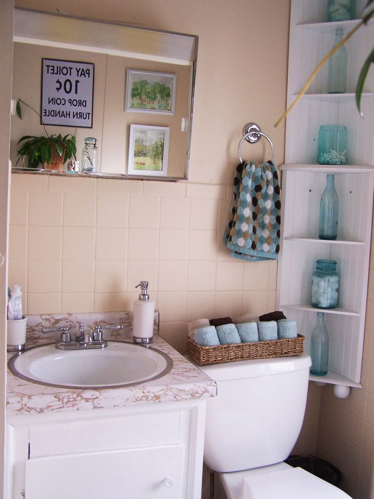 Tan Bathroom Walls With Blue Accents: Brown And Blue Bathroom