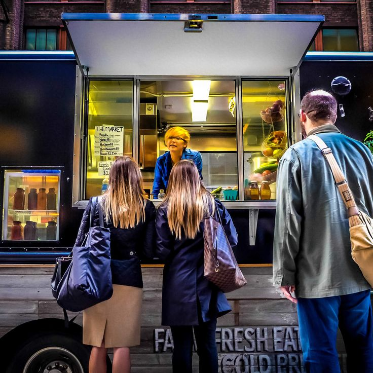 food trucks in chicago Chicago food truck hub is your preferred partner to hire food trucks, carts, rentals and entertainment for your wedding reception, corporate party or other occasion.