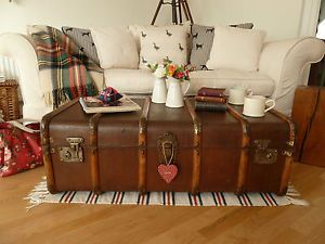 VINTAGE RETRO BENTWOOD BANDED STEAMER TRUNK OLD WOODEN QUIRKY COFFEE TABLE