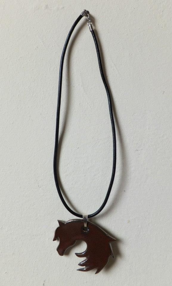 Ceramiczny wisior w kształcie głowy konia/ Ceramic horse necklet