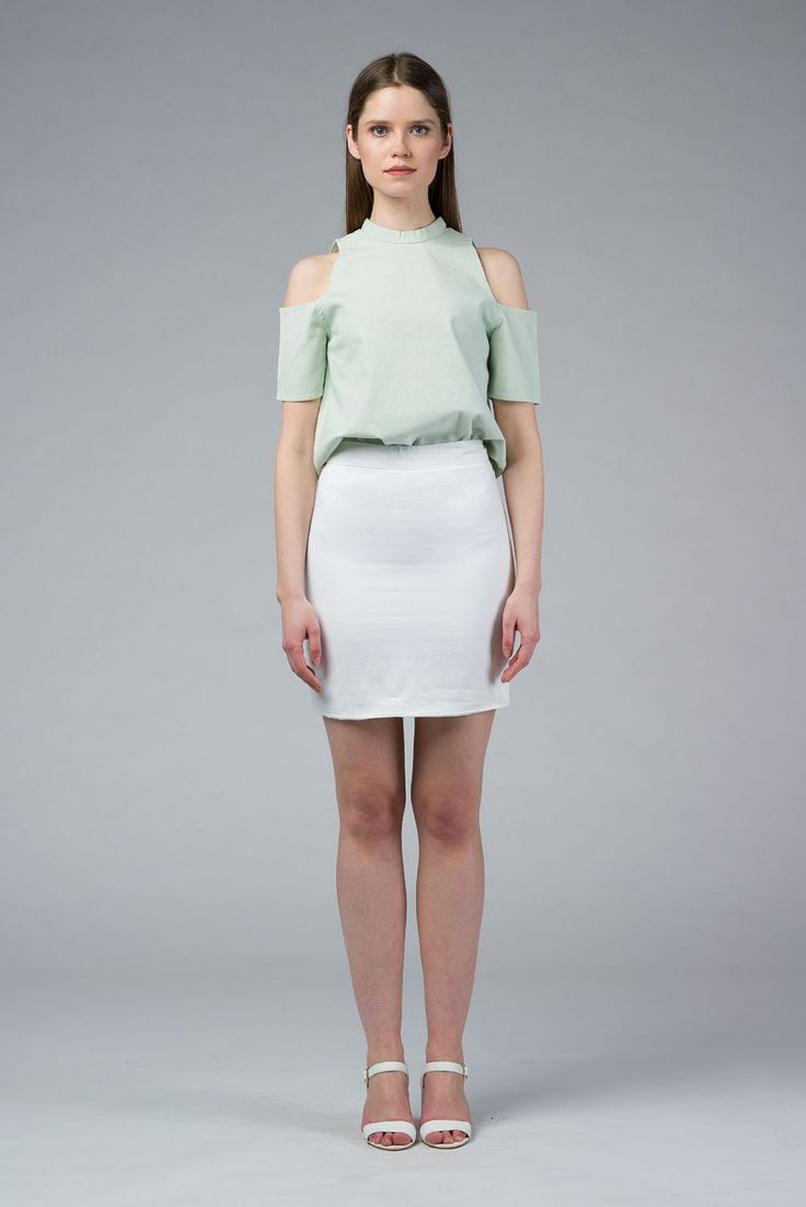 White Short Skirt, Buy Online Cotton High Rise Skirt, it is also fully lined and has metalic zip for fastening at the back.  - IMAIMA