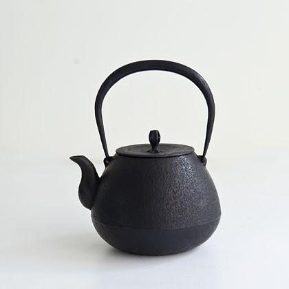 釜定 鉄瓶「秋の実」