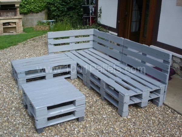 Pallets garden lounge salon de jardin en palettes europe - Construction banc en palette ...