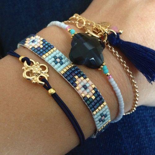 Bracelet tissé perles bleu marine/doré