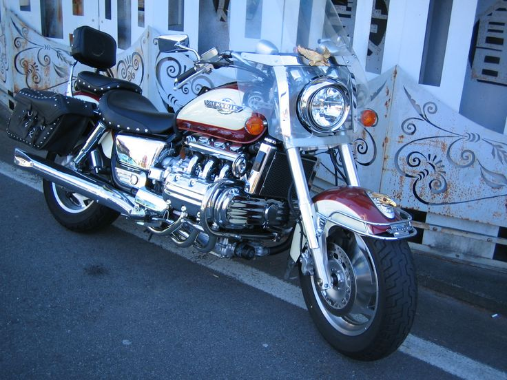 1993 HONDA VALKYRIE1500 Age28. I found a cruiser that maybe different other made in japan and Harley-Davidson.Valkyrie1500cc.I bought in quickly.It'a great machine of the ideal that has been completed.