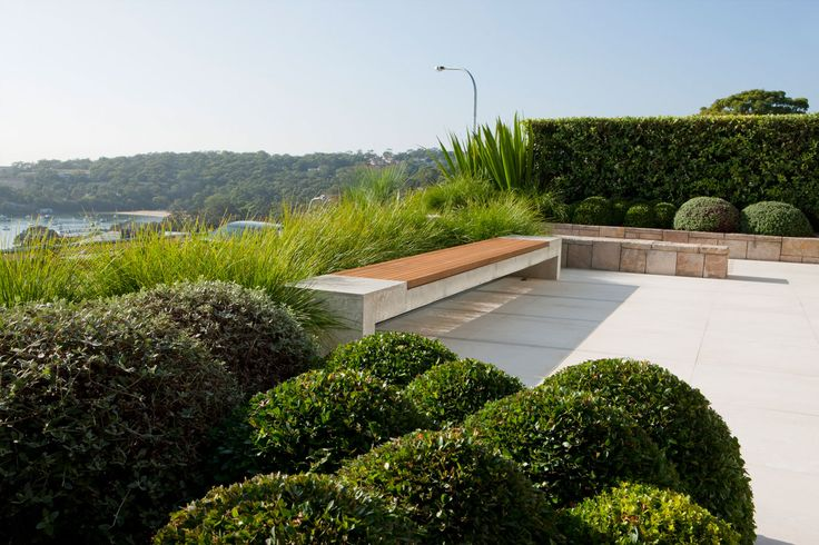 This Mosman house and garden display our client's love of art and sculpture. The open plan style of the house looks out onto the garden...