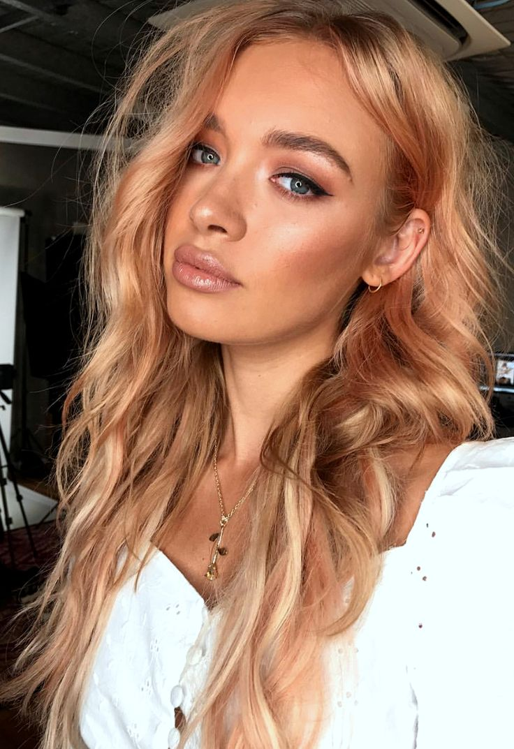 Pinterest: DEBORAHPRAHA ♥️ Light pink peach hair color #haircolor
