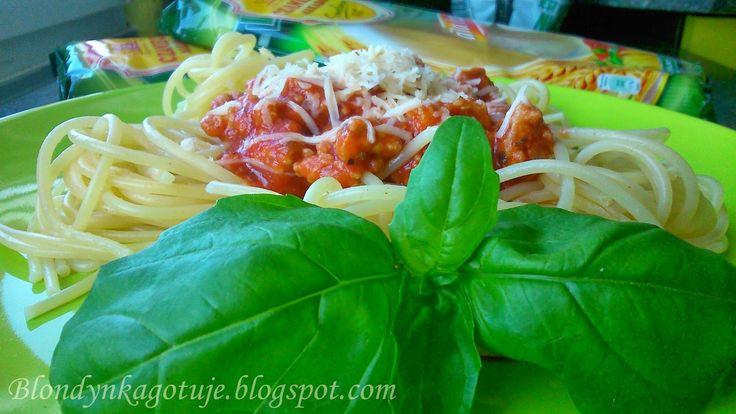 Blondynka Gotuje: Spaghetti a`la Bolognese Moje Własne!