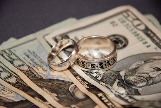 Peut-on vraiment organiser un mariage digne de ce nom sans casser sa tirelire et s'endetter sur 3 générations ?  Oui ! Et Diane est là pour te le prouver. Elle se marie en avril et même si elle a pres