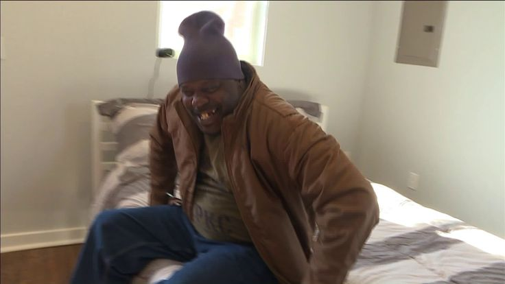 13 homeless veterans get a first look at their new homes as tiny home community opens in KC http://fox4kc.com/2018/01/29/13-homeless-veterans-get-a-first-look-at-their-new-homes-as-tiny-home-community-opens-in-kc/