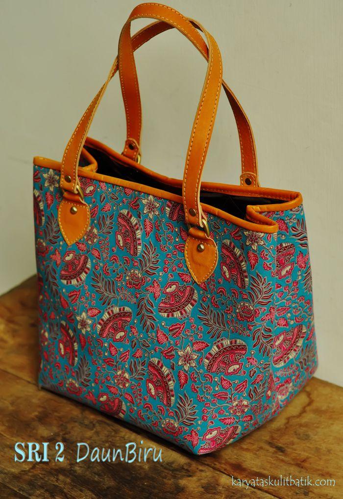 Sri2 Daun Biru  ( Tas Kulit Batik ) by Karyatasku